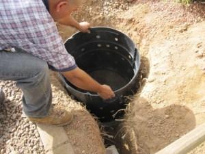 Фото установки пластика в яму
