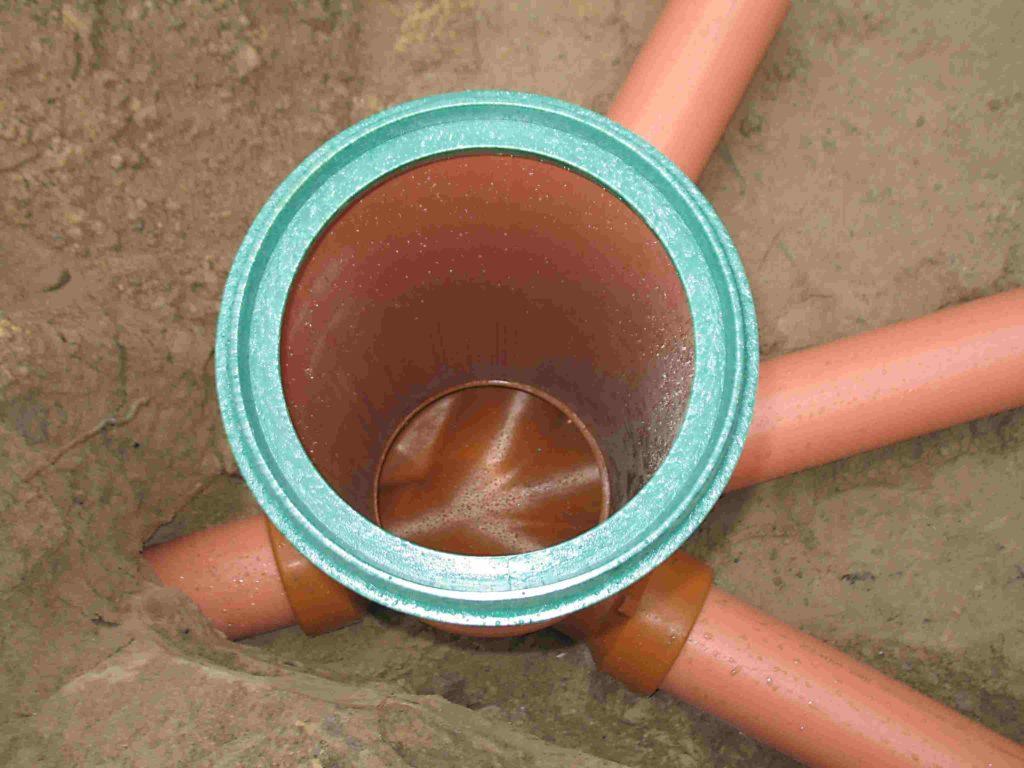 Ревизионный колодец для канализации