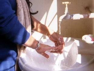 Дерматологические проблемы могут быть следствием пользования ржавой водой