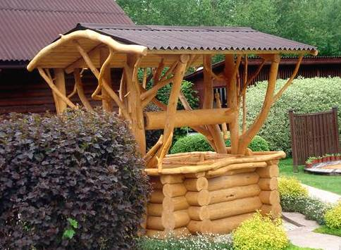 Деревянный сруб для колодца