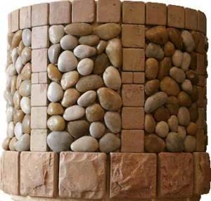 Колодец, облицованный натуральным камнем