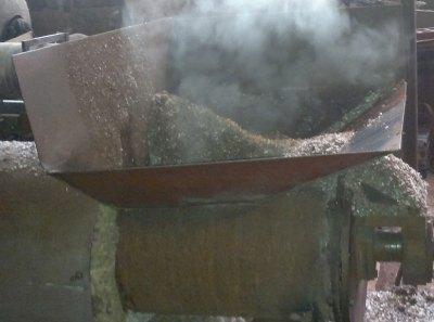 Смешивание песка и полимерного порошка