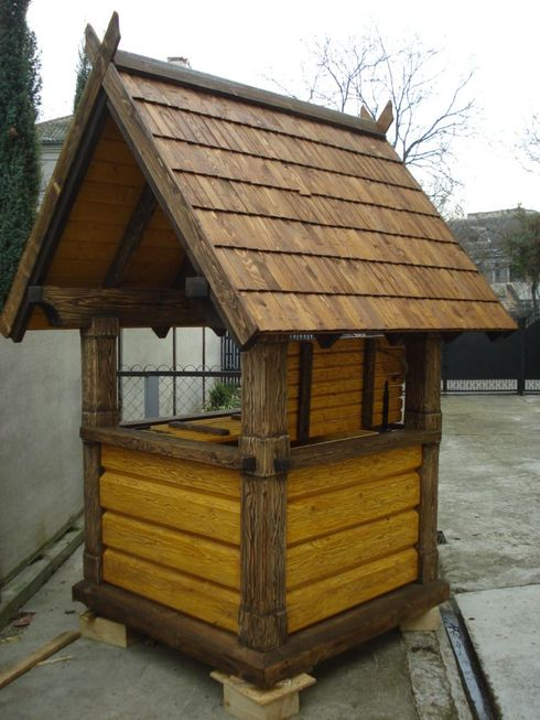 Декоративный колодец на даче своими руками