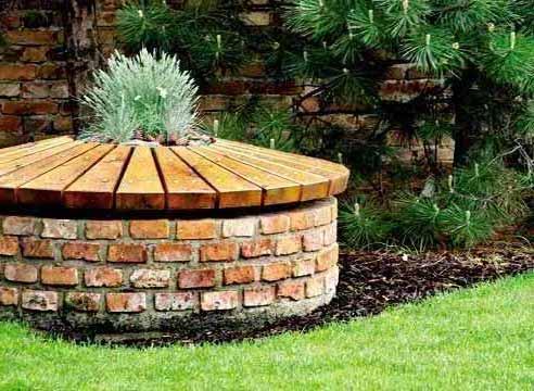 Декоративное деревянная крышка септика