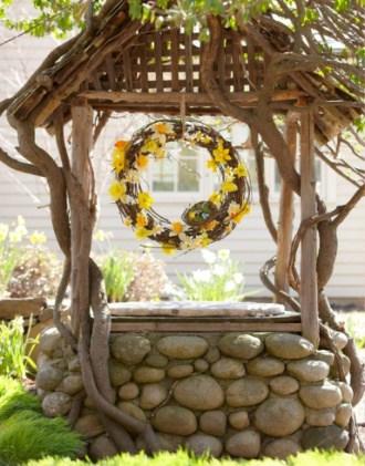 Декоративный камень в саду