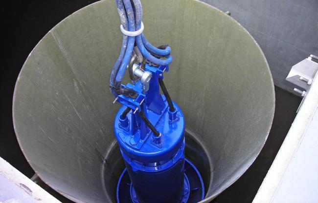 Спуск погружного насоса в скважину