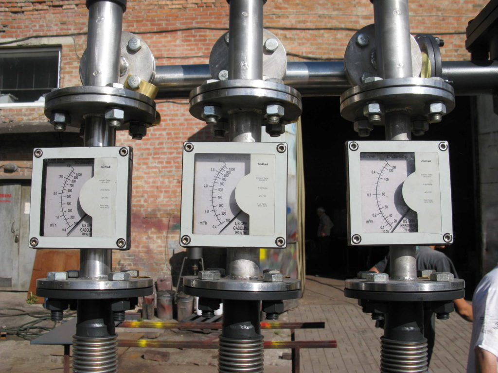 Контрольно-измерительная арматура на гидравлическом оборудовании