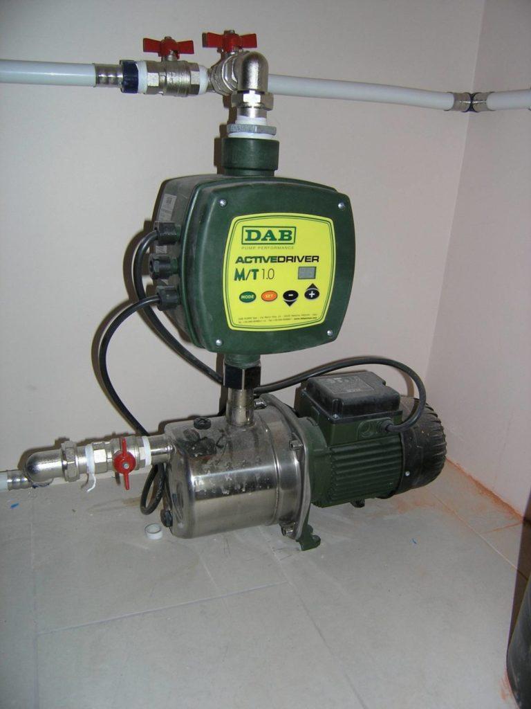 Скважинный насос с подключенным инвертором