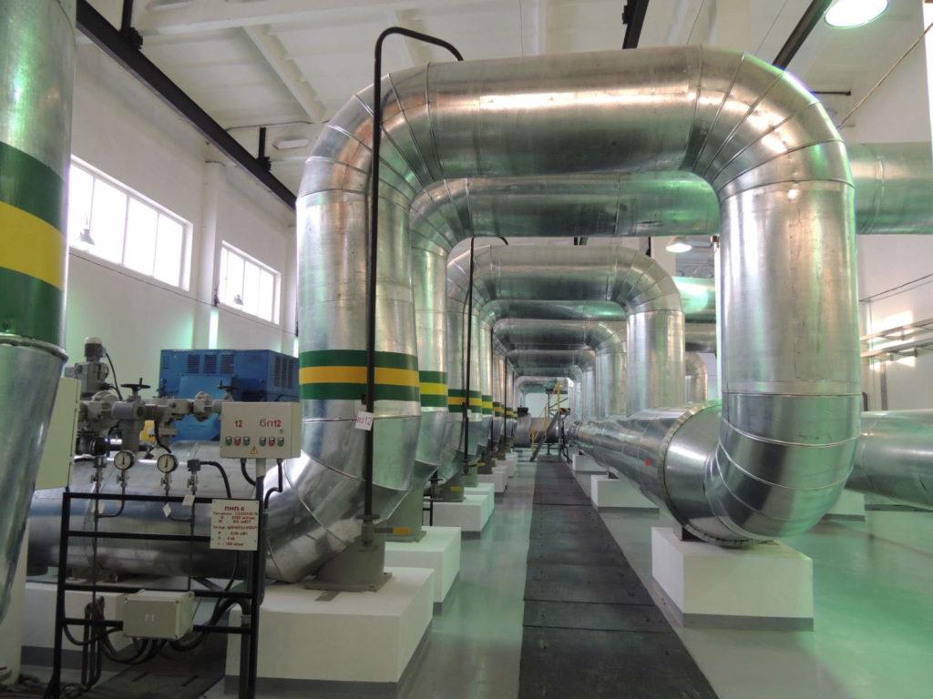 Машинный зал промышленной насосной станции