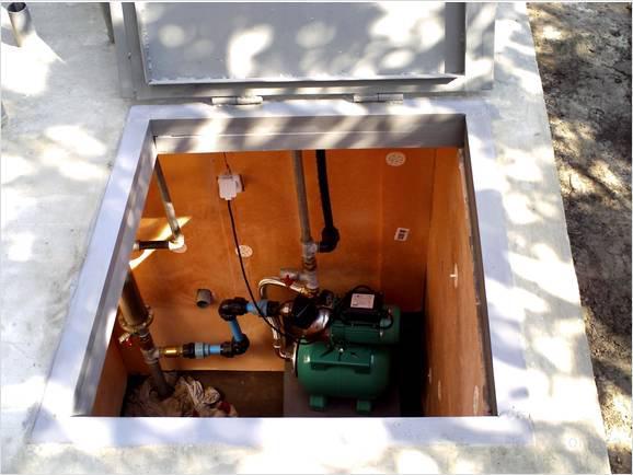 Кессон – очень удобное решение для установки насосного оборудования