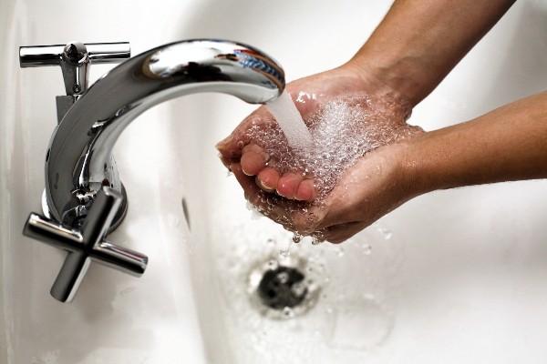 Насос для увеличения давления воды, установленный в квартире, избавит вас от проблем с низким напором