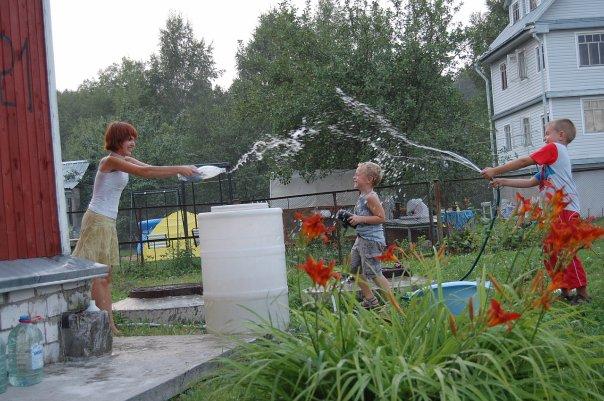 Садовый насос для полива позволит вам проводить время на даче с удовольствием