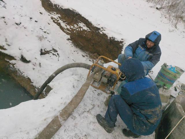 Самовсасывающие насосы для загрязненной воды – надежные помощники строителей и коммунальщиков