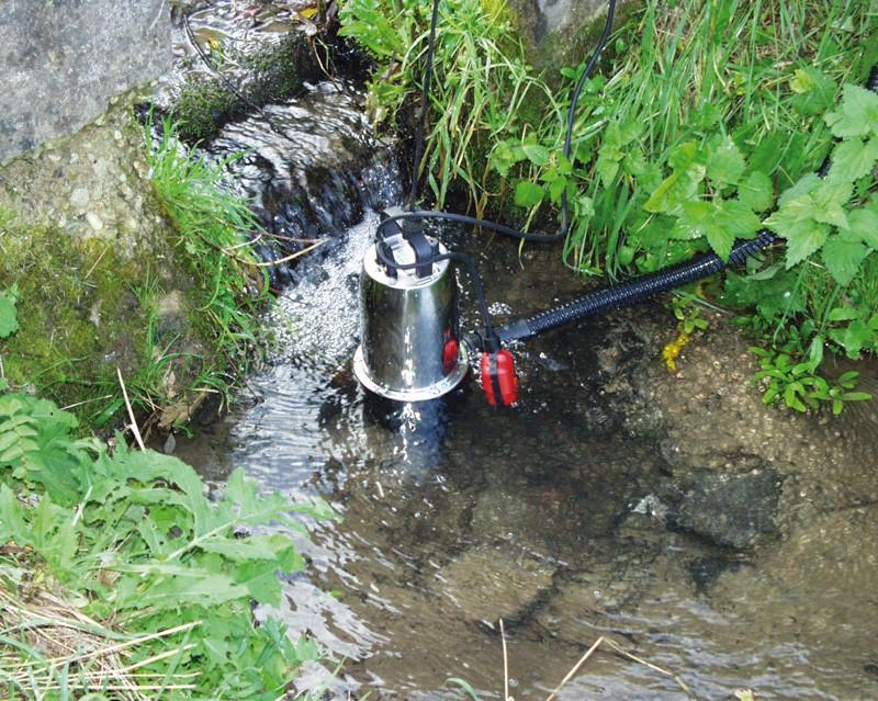 Дренажный насос отлично обеспечит сад и огород водой для полива.