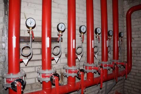 Узел раздачи воды на пожарном трубопроводе