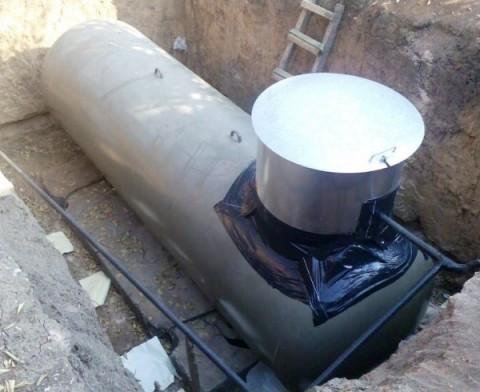 Водоснабжение дома – накопительный бак под землей