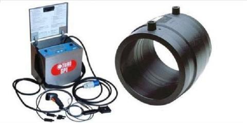 Муфта и аппарат для подачи напряжения на спираль