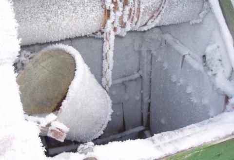 Пользоваться колодцем в мороз – не самое приятное занятие