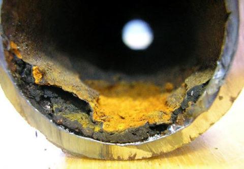 Отложения в трубе для водоснабжения