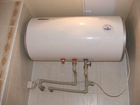 Эту квартиру обеспечивает горячей водой электрический бойлер
