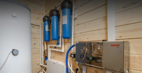 На фото — система водоснабжения деревянного дома. Вся разводка выполнена полипропиленом