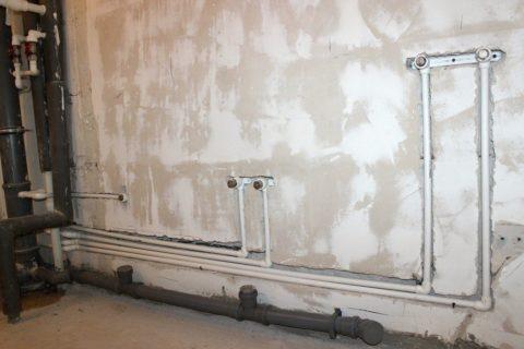 Разводка водоснабжения выполнена полипропиленовыми трубами