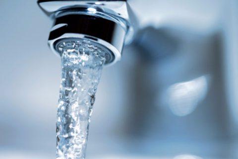 Температура холодной воды незначительно меняется в течение года