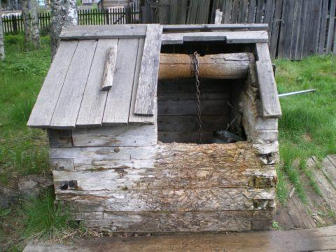 Типичная организация водоснабжения за городом. 21 век? Нет, не слышали...