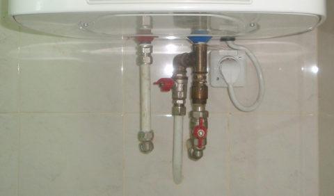Автономное горячее водоснабжение: бойлер подключен к водопроводу металлопластиком