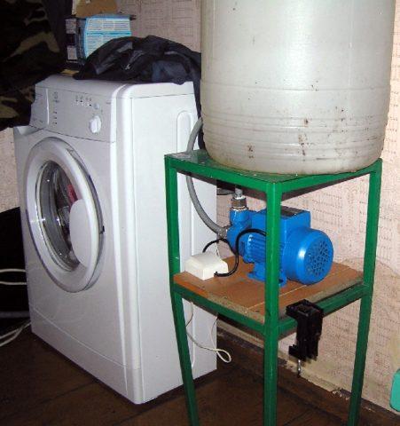 Автономное водоснабжение с аккумулирующим баком для воды