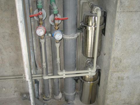 Холодная и горячая вода разведены по квартире полипропиленом
