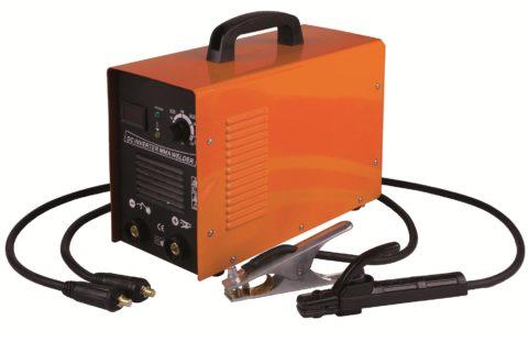 Компактный сварочный аппарат способен отогреть стальной водопровод, пропустив через него большой ток