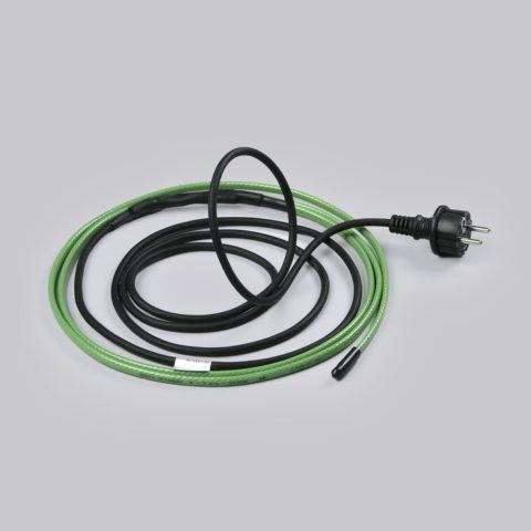 На фото — нагревательная секция: греющий саморегулирующийся кабель, концевая муфта и холодный конец (провод питания)
