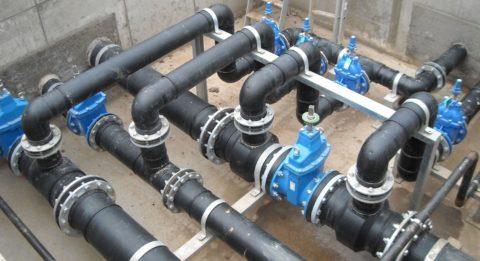 На фото — узел магистрального водопровода