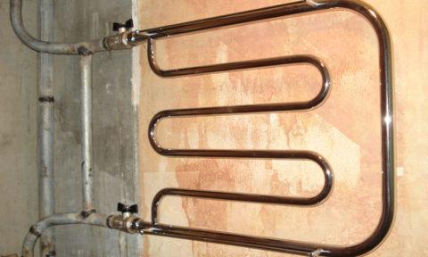 Подключение полотенцесушителя с отсекающими кранами и байпасом