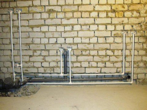 При тройниковой схеме общая длина водопровода минимальна
