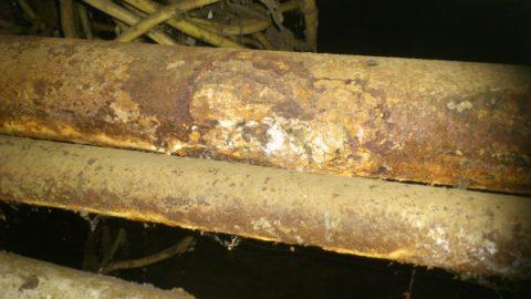 Розливы ГВС и полотенцесушителей в подвале хрущевки