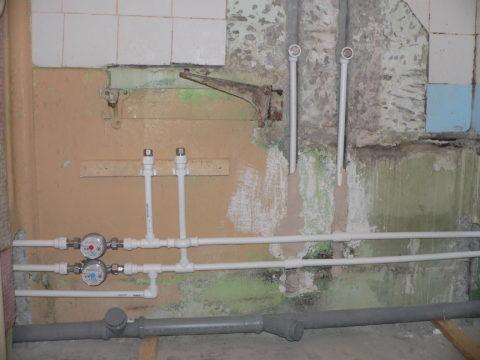 Внутриквартирная разводка водоснабжения выполнена полипропиленом