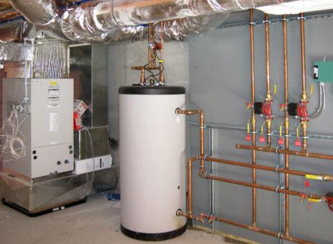 Бойлер косвенного нагрева — бак для горячего водоснабжения с теплообменником, в котором источником тепла является теплоноситель из системы отопления