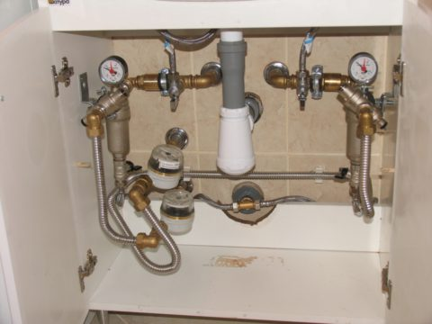Гофрированные подводки водоснабжения