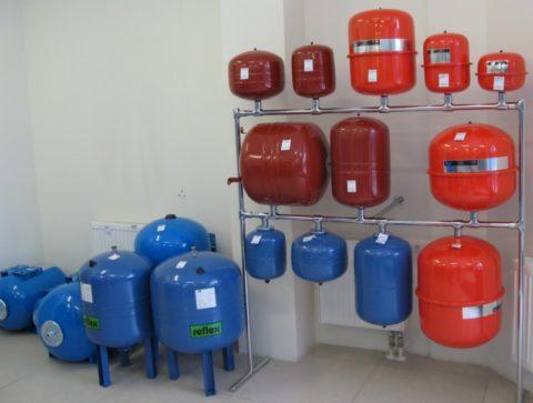 Предназначенные для установки на водоснабжение напорные баки