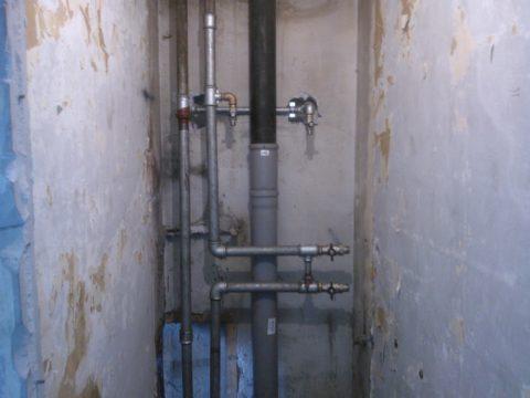 Стояки водоснабжения размером ДУ25