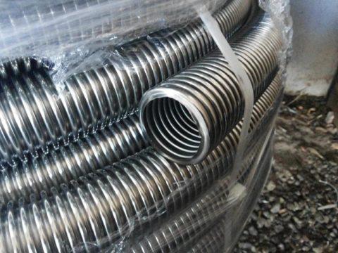 Толщина стенок трубы — треть миллиметра
