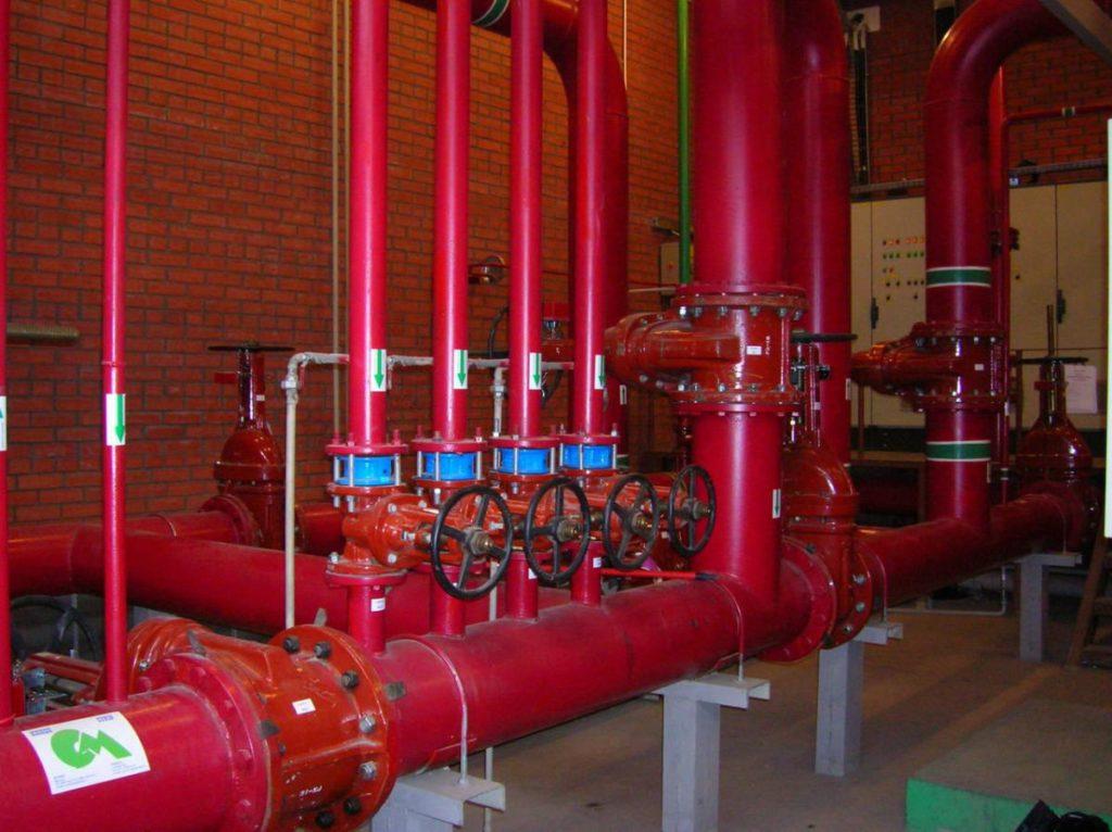 Противопожарные водопроводы проектируются в соответствии с требованиями СП 10.13130.2012