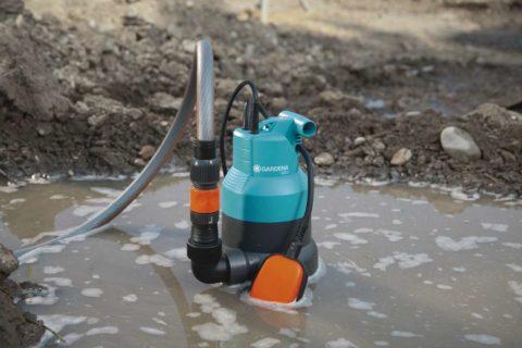 Откачка дождевой воды дренажным насосом