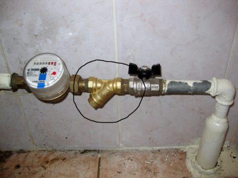 Забитый фильтр может ограничивать пропускную способность водопровода