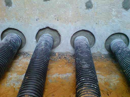 Бетонирование вводов канализационных труб