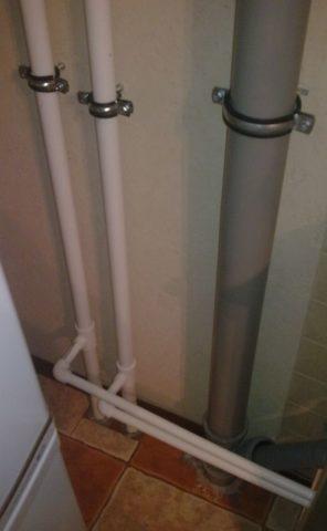 Ремонт внутридомовых инженерных систем холодного водоснабжения: стояки меняются на пластиковые