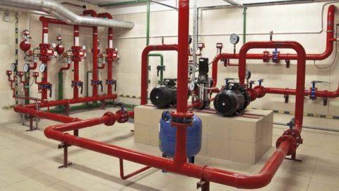 Пожарный водопровод: для монтажа использованы металлические трубы