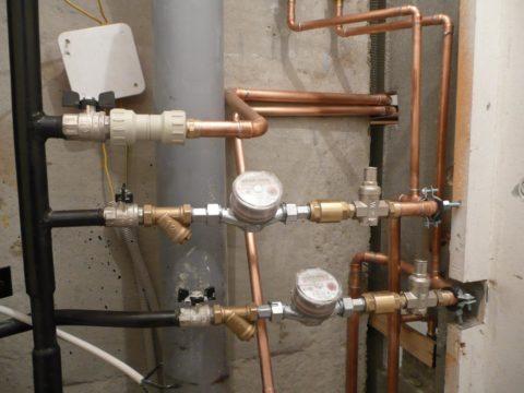 Разводка воды медью на фитингах под пайку